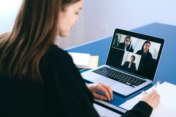 Effectively manage workers from home